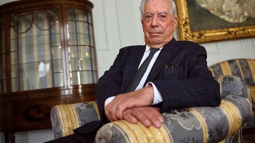 """Vargas Llosa: """"Si fuera colombiano y pudiera votar, yo también votaría sí"""""""