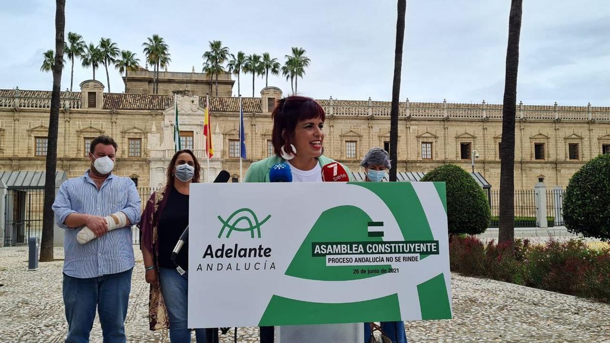 La parlamentaria andaluza Teresa Rodríguez anuncia la asamblea de refundación de Adelante Andalucía.