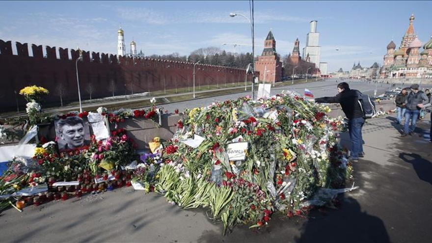 Investigan a sospechoso de encargar el asesinato de opositor ruso Nemtsov