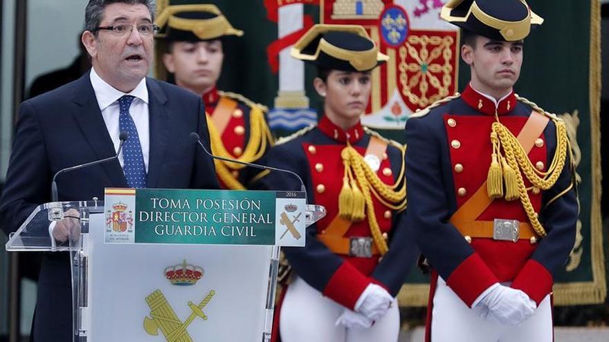 Zoido: Guardia Civil seguirá siendo militar, lo que no impedirá modernización