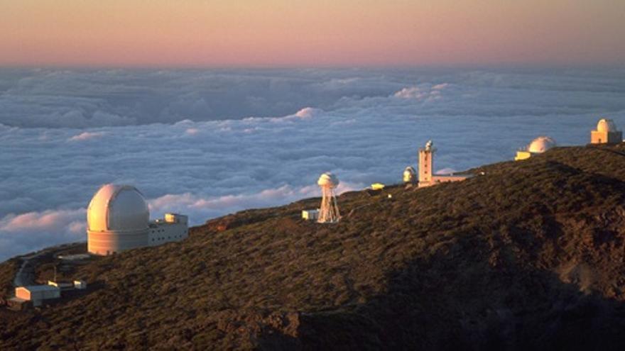 Imagen de archivo de algunos de los telescopios del observatorio astrofísico de El Roque de Los Muchachos.
