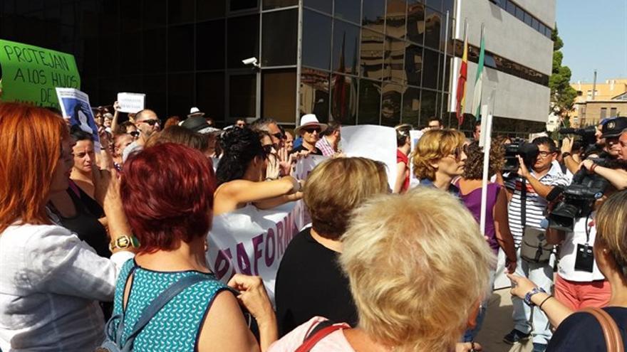 Concentración en apoyo a Juana en Granada