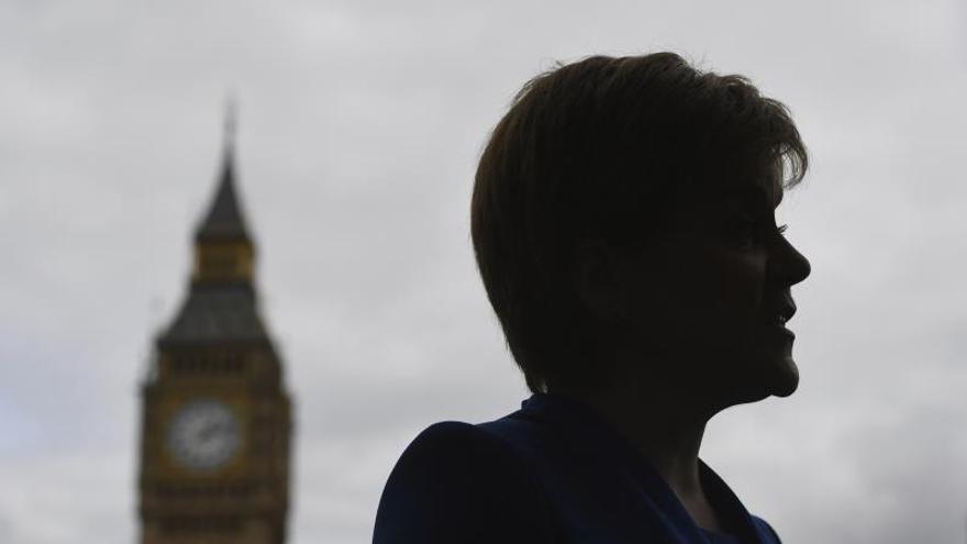 """El Parlamento escocés rechaza por amplia mayoría el acuerdo del """"brexit"""""""