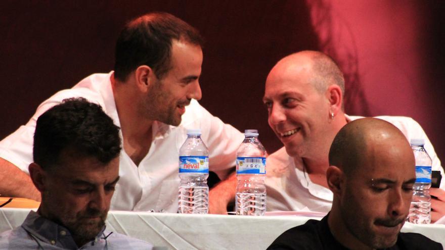 Miguel Ángel Bustamante con Ernesto Alba en el congreso.