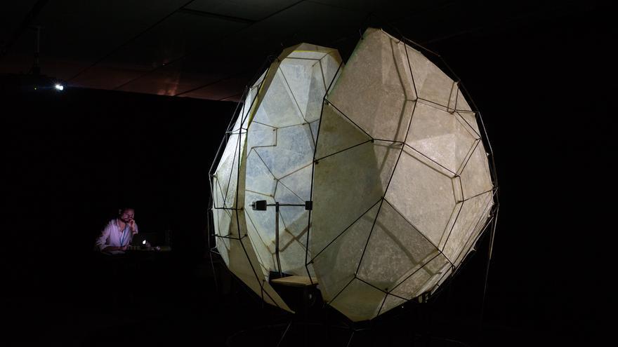 Réplica videográfica del interior de la nave Discovery