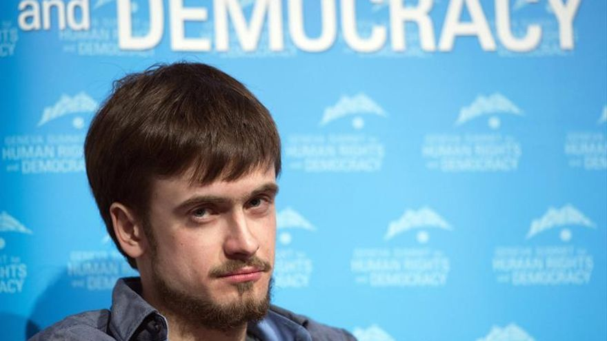 Trasladado a Berlín el activista de Pussy Riot con síntomas de envenenamiento