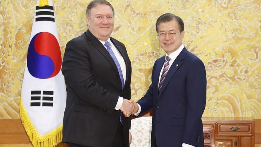 El Secretario de Estado de EE.UU., Mike Pompeo, visita Corea del Sur