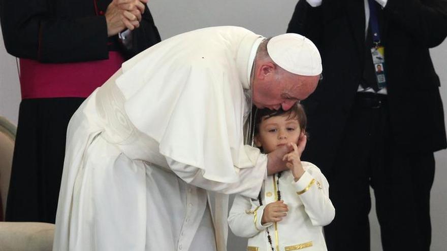 El papa pide verdad, justicia y reconciliación para Colombia en una emotiva jornada