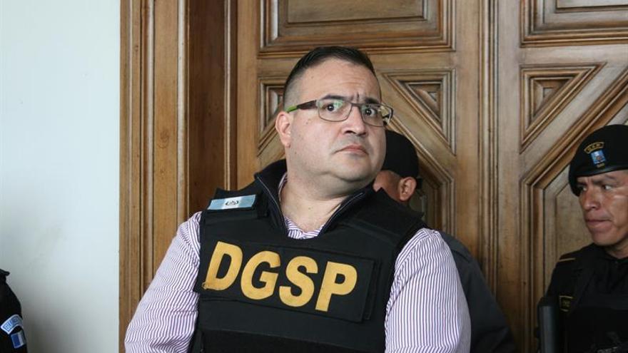 Ordenan juicio contra el exgobernador mexicano Javier Duarte por corrupción