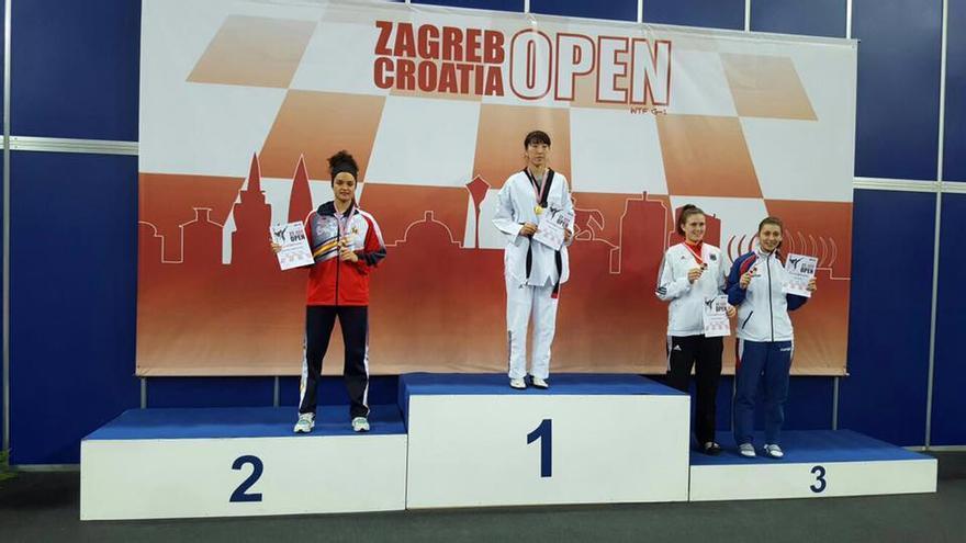 Rosanna Simón  en el podio del Open Internacional  de Taekwondo de Croacia. Foto: Facebook Ayuntamiento de Los Llanos de Aridane.
