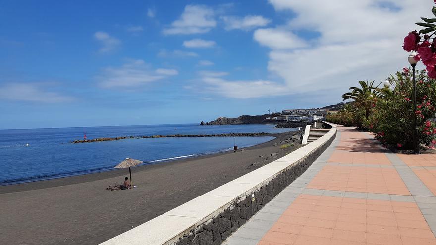 Paseo de la playa de Bajamar (Breña Alta). Foto: LUZ RODRÍGUEZ.