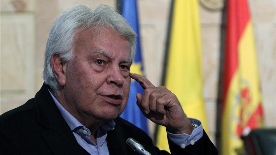 Felipe González dejará el consejo de Gas Natural cuando termine su mandato
