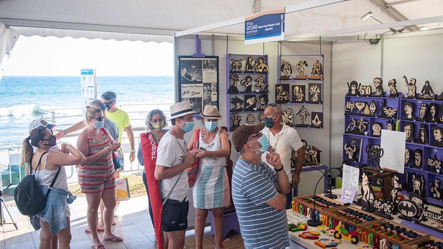 El Cabildo de Gran Canaria inaugura la Feria de Artesanía del Faro de Maspalomas, la primera que se realiza en la Isla desde enero