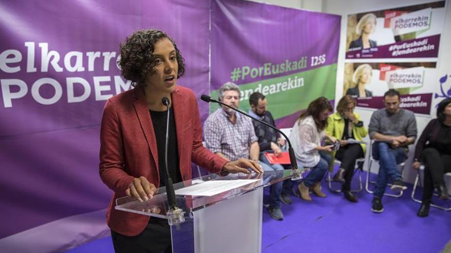 """Alba (Podemos) vota convencida de que """"empieza un nuevo tiempo en Euskadi"""""""