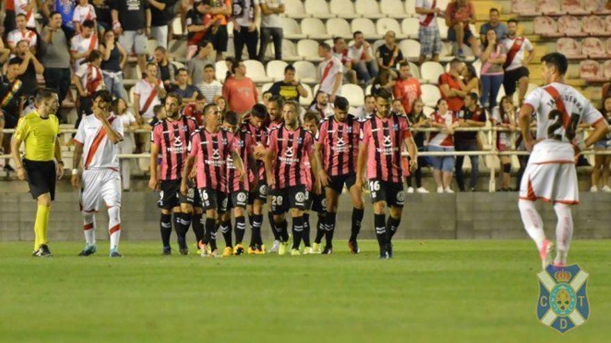 Partido entre el Rayo Vallecano y el CD Tenerife en Copa del Rey.