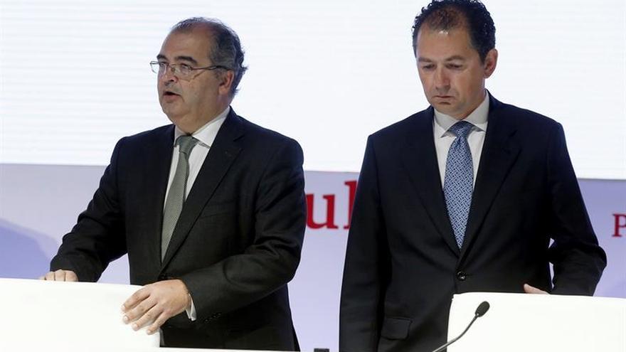 Banco popular deja la puerta abierta a un nuevo ajuste de for Oficinas banco popular murcia