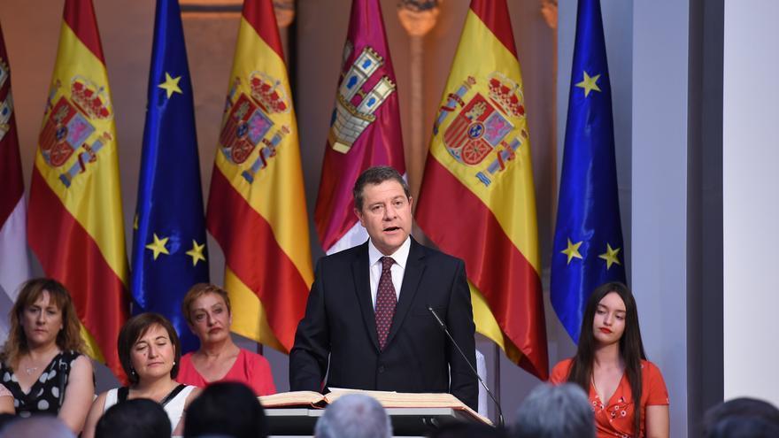 El presidente de Castilla-La Mancha, Emiliano García-Page, durante su toma de posesión