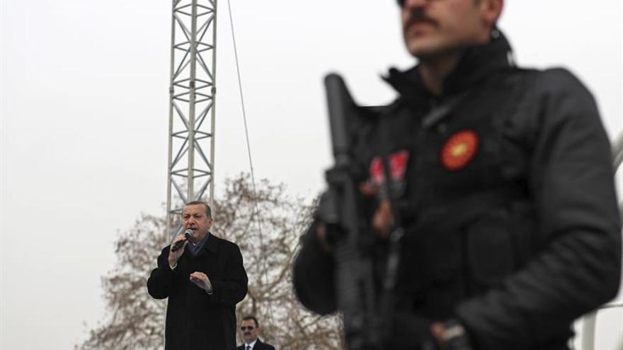 """Erdogan promete establecer una """"zona segura"""" en el norte de Siria"""