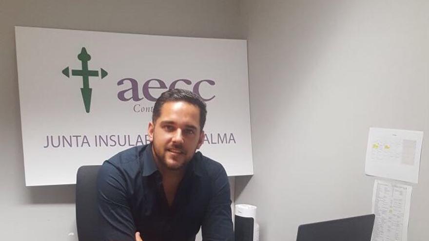 Kilian Sánchez Sanjuán es trabajador social de la AECC en La Palma.
