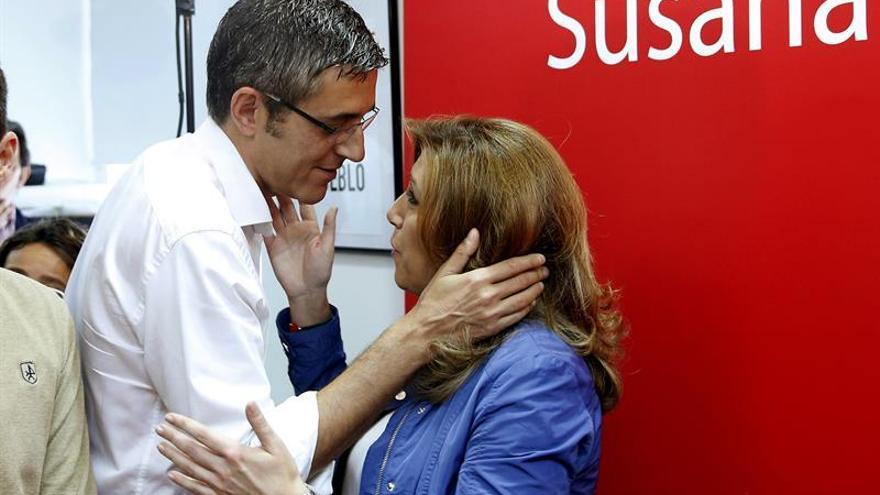Susana Díaz y Eduardo Madina antes de presentar el documento.