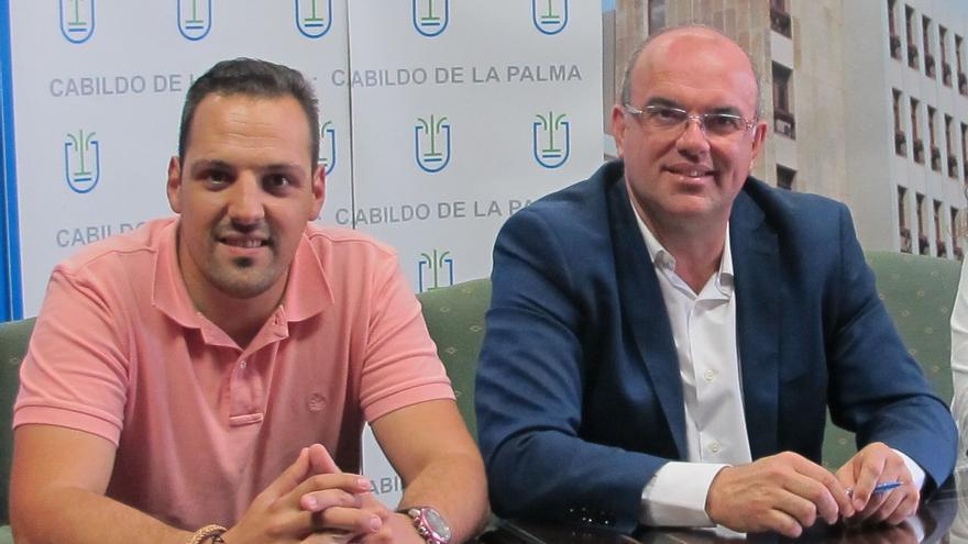 Jonathan Felipe, alcalde de Breña Alta, y Anselmo Pestana, presidente del Cabildo de La Palma.