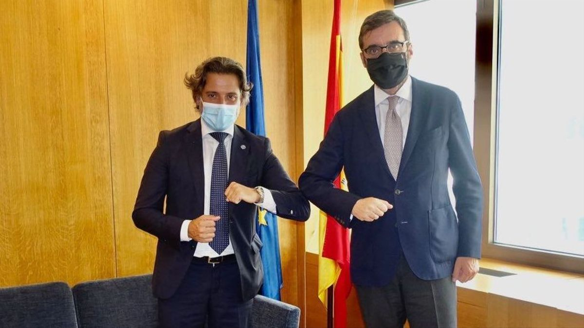 Gustavo Matos junto al embajador representante permanente de España ante la Unión Europea, Pablo García-Berdoy