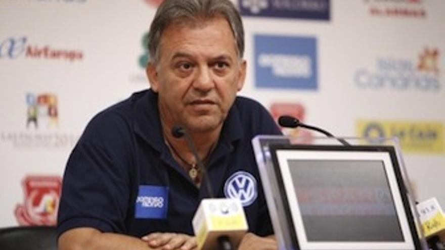 Juan Manuel Rodríguez en rueda de prensa (udlaspalmas.es)