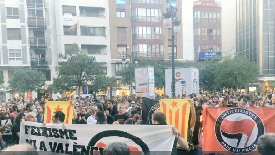 Concentración de Arran en Valencia para exigir la dimisión del delegado del Gobierno