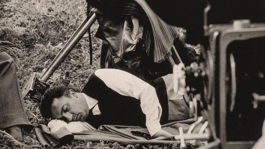 Federico Fellini durante el rodaje de La dolce vita | Fondation Jérôme Seydoux-Pathé