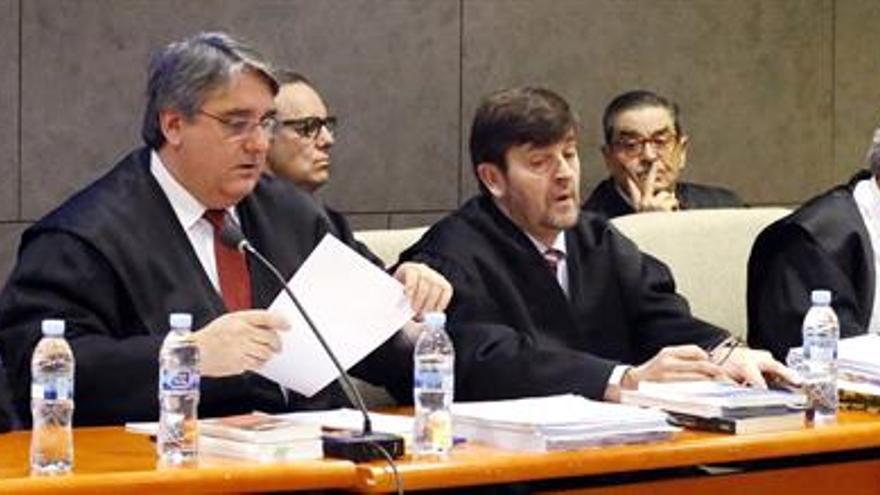La Fiscalía pide 2 años de cárcel para los acusados del Kutxabank