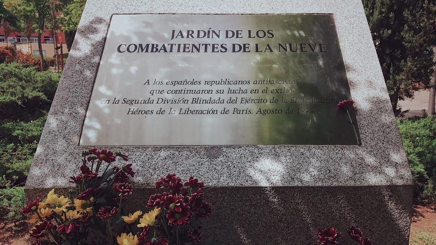 Placa del Jardín de los combatientes de La Nueve en Ciudad Lineal