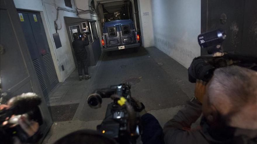La prensa argentina centra sus portadas en la noticia de la muerte de Videla