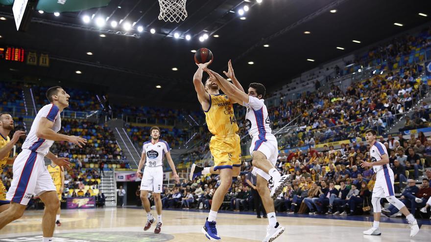 Disputado encuentro en el Gran Canaria Arena con triunfo amarillo.