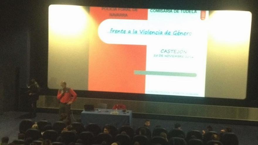 La Policía Foral imparte charlas sobre violencia de género en Castejón y Murchante