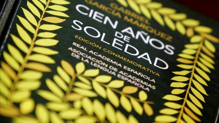 """La Policía de Colombia recupera un ejemplar de la primera edición de """"Cien años de soledad"""""""