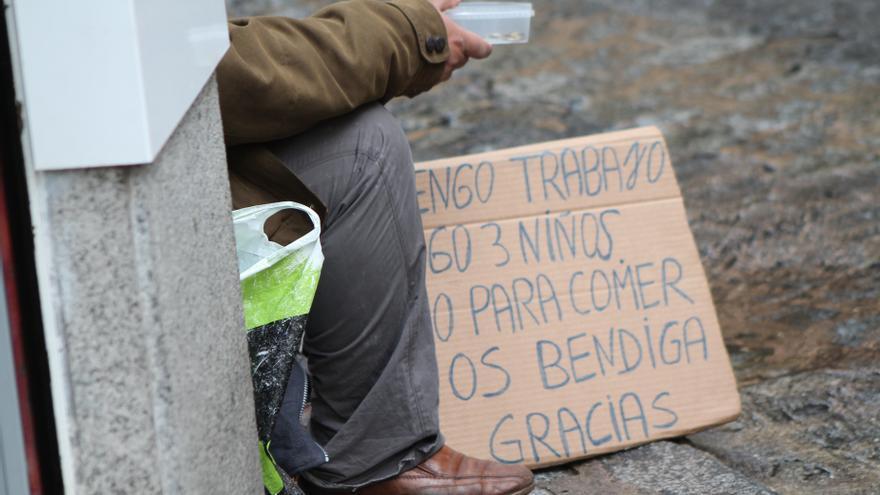 El 31% de los andaluces está por debajo del umbral de la pobreza, y el 55% de los hogares no puede afrontar imprevistos