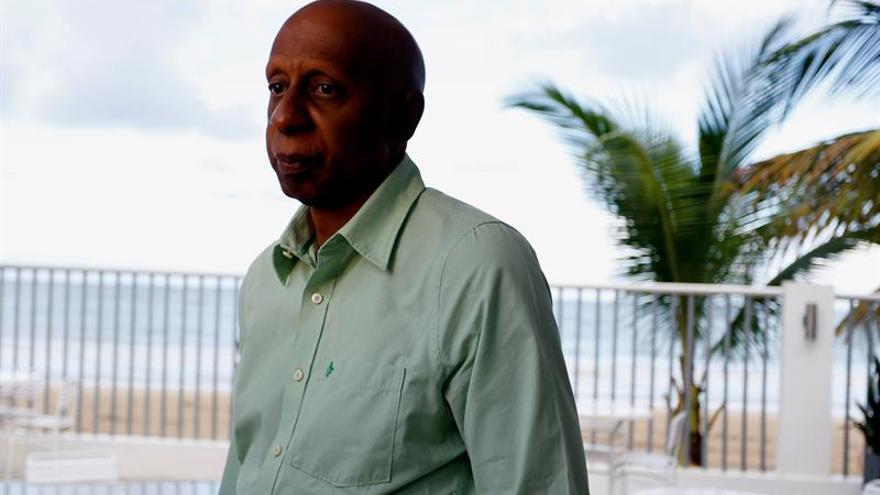 Fariñas dice que el acercamiento de Cuba a la democracia ayudará a levantar el bloqueo
