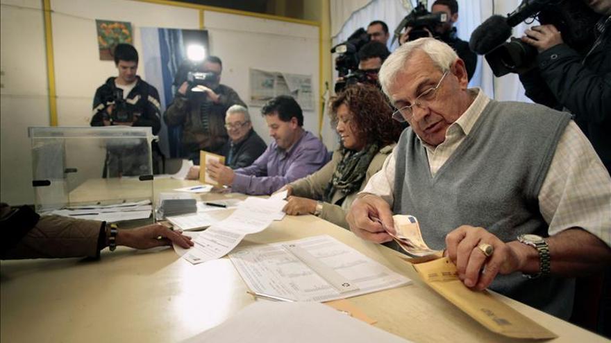 Los ciudadanos que sean 3 veces miembros de mesa electoral podrán no repetir