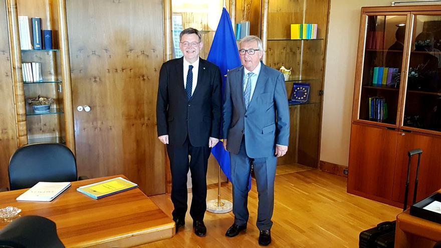 El president Ximo Puig junto al presidente de la Comisión Europea Jean Claude Juncker