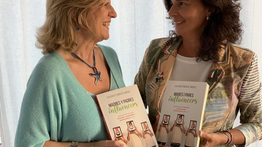 Eva Bach y Montse Jiménez, autoras de 'Madres y padres influencers'.
