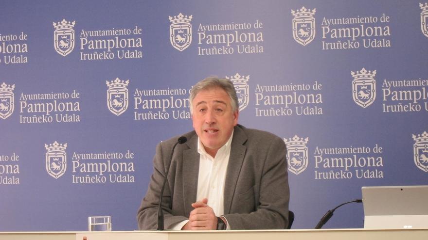 El Ayuntamiento de Pamplona coloca dos placas en homenaje a las víctimas de ETA Alfredo Aguirre y Ángel Postigo