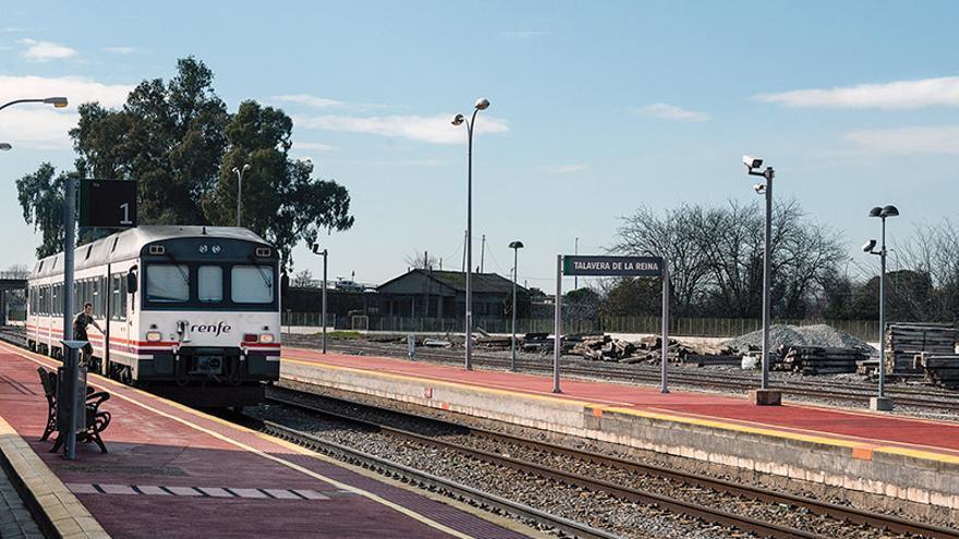 """Castilla-La Mancha se suma en Madrid a la concentración por """"un tren digno ya"""""""