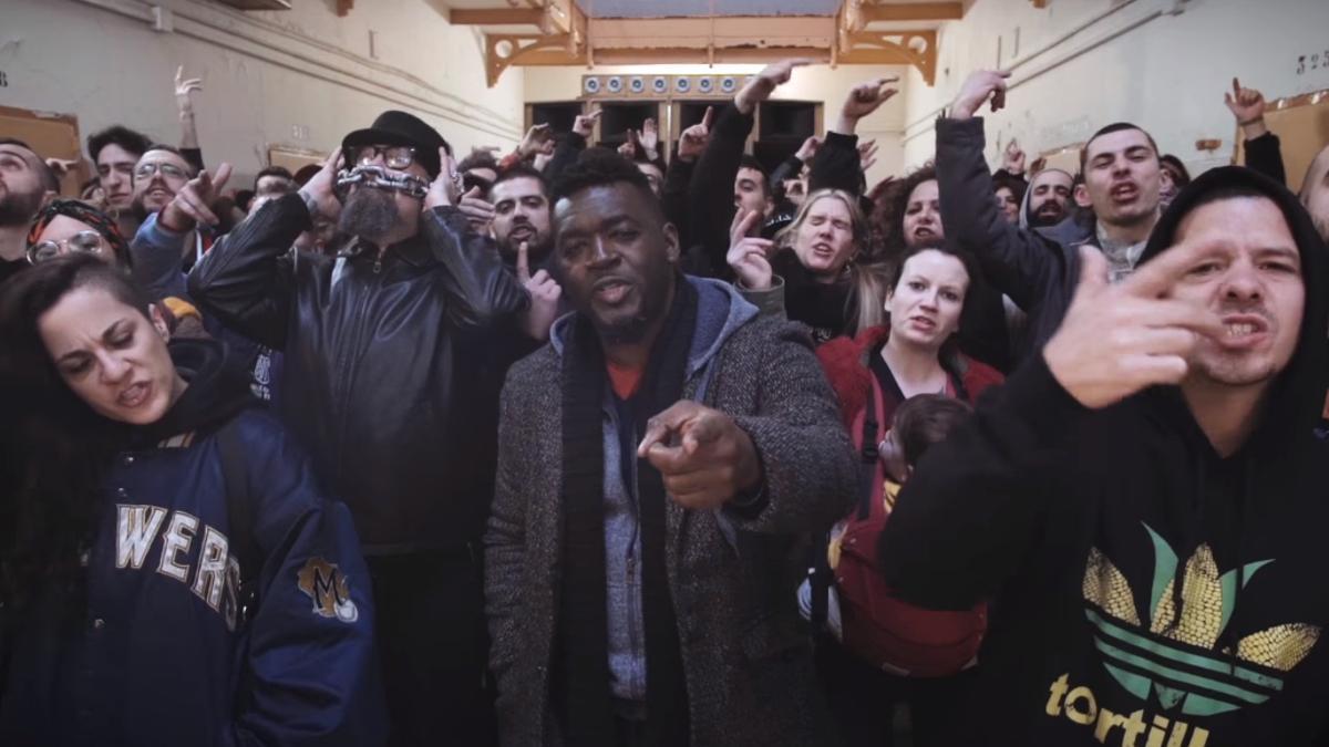 Captura del vídeo 'Los borbones son unos ladrones'
