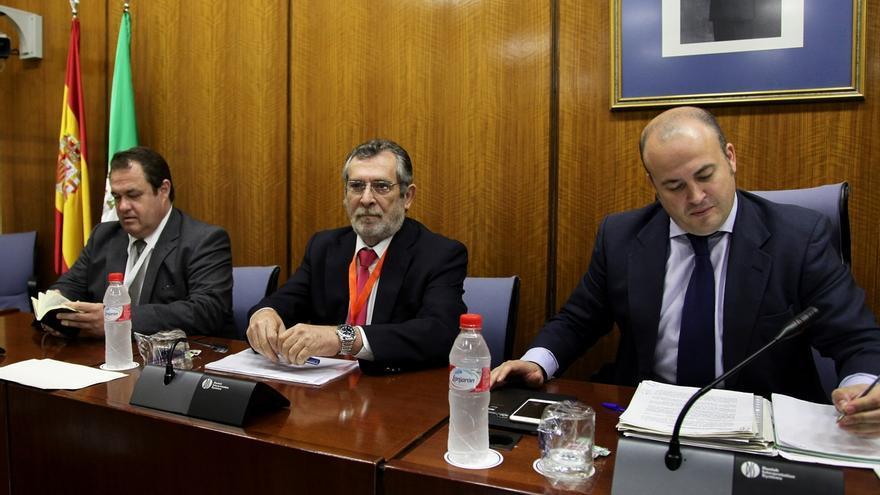 """Rivas abandona la comisión de formación sin oír a los grupos para no someterse a un """"escarnio público"""""""