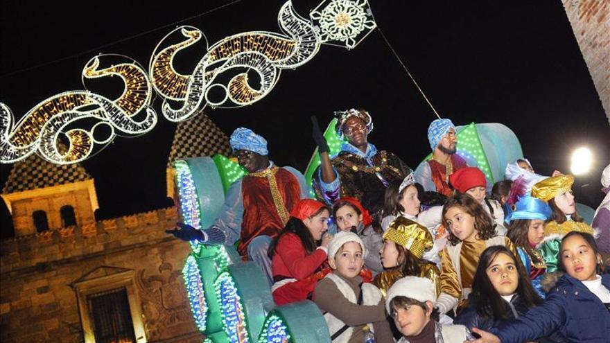 Los Reyes Magos tiñen de ilusión y magia todos los rincones de España