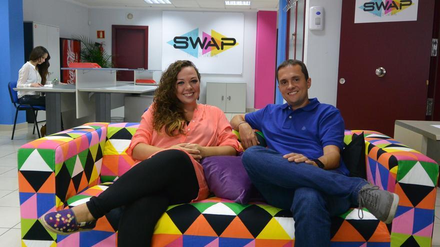 Himar Ramírez y Gara Ramírez en su centro de coworking SWAP en Las Palmas de Gran Canaria.