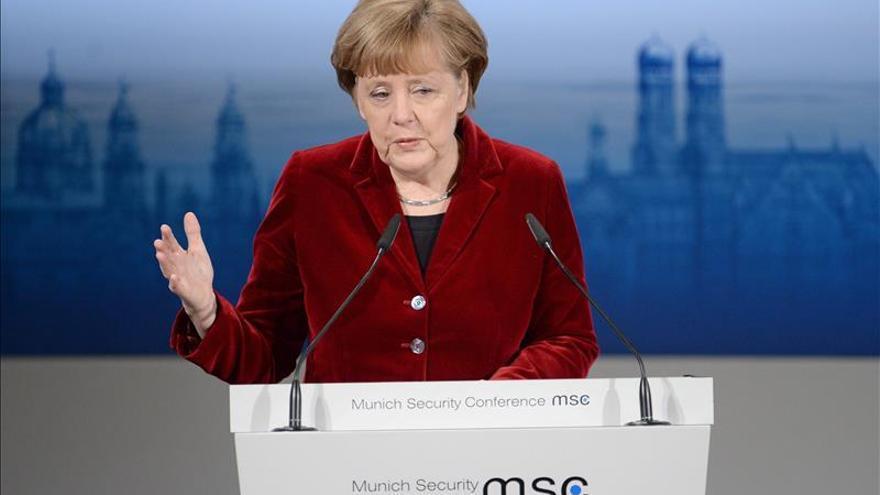Merkel se opone a armar a Kiev, como pide EEUU, y aboga por la diplomacia