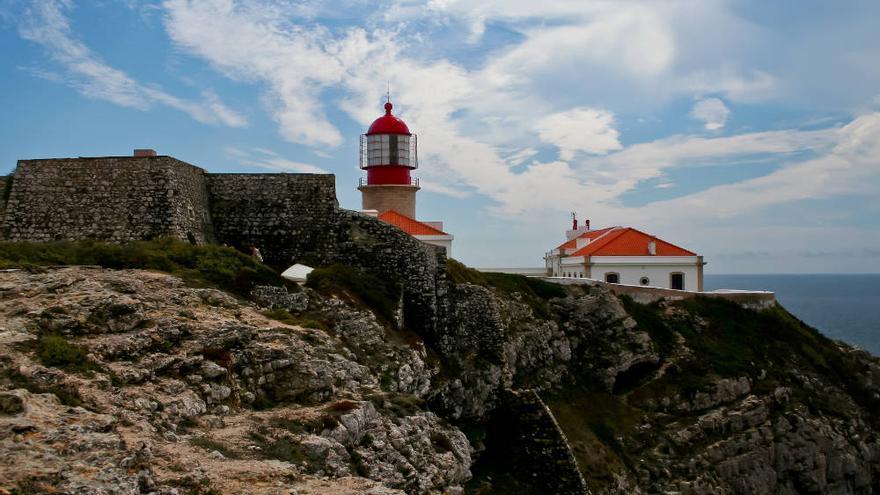 Faro del Cabo de San Vicente, extremo occidental del Algarve portugués. VIAJAR AHORA