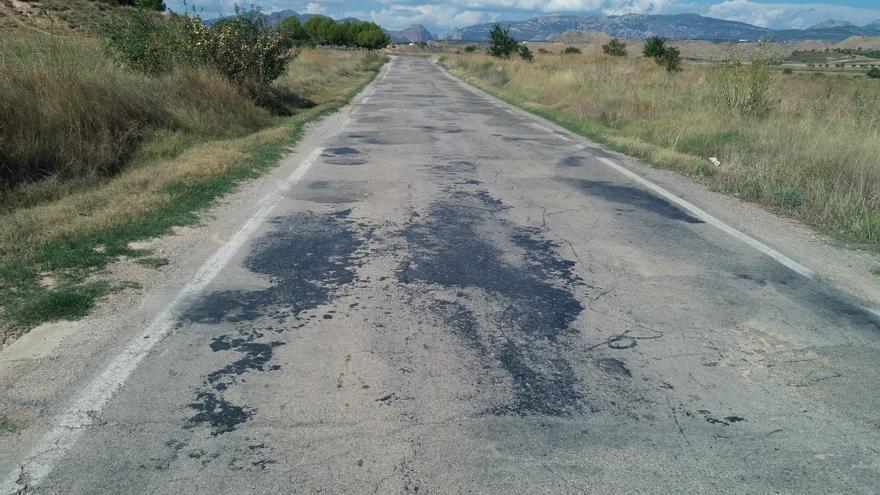 La vía, de 10 kilómetros, se encuentra en pésimas condiciones