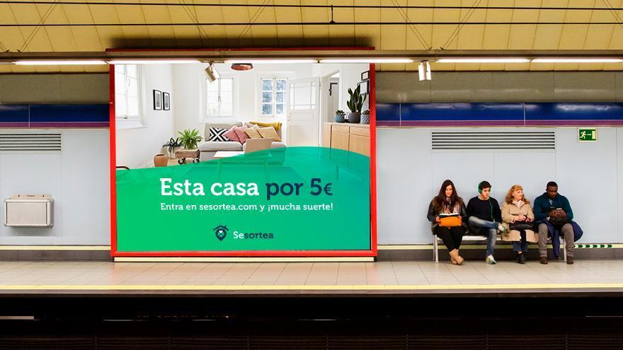 Montaje promocional de Sesortea, una nueva compañía para rifar casas con papeletas a cinco euros